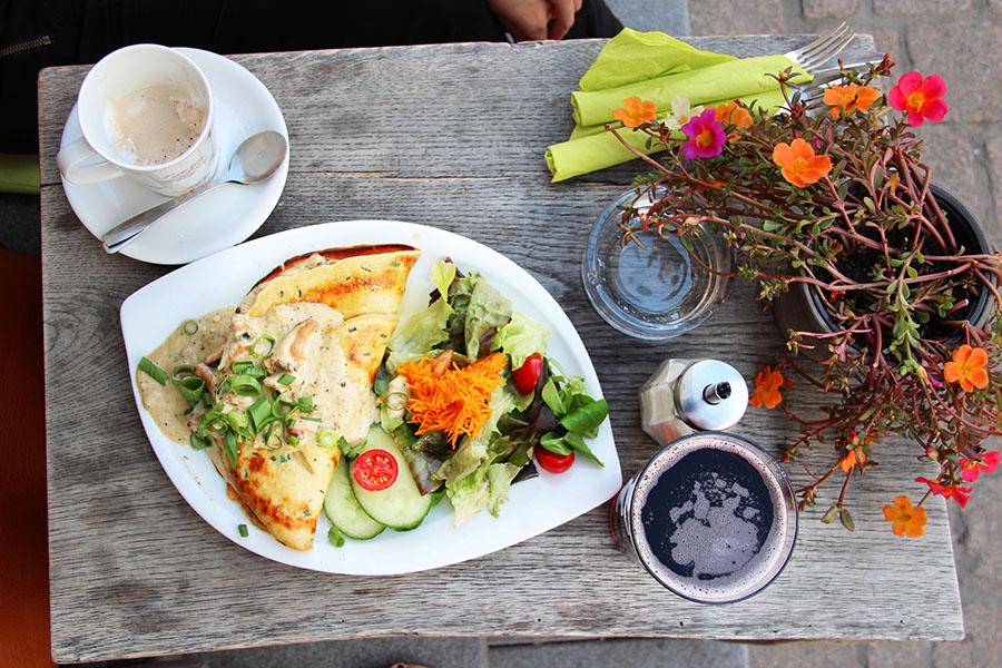 Speyer Tor Zur Pfalz cafe