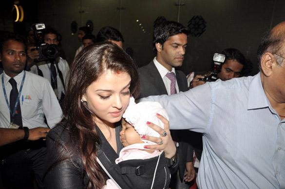 Full Photos of Aaradhya Bachchan Abhi-Ash's daughter 56148857