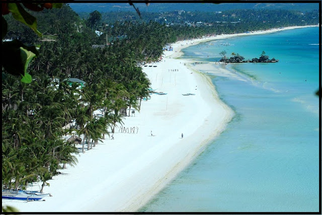Boracay Island with its Amazing White Beaches