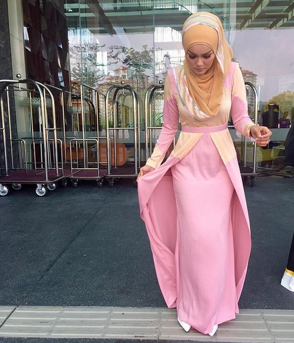 11 gambar uqasha senrose yang paling cantik jelita