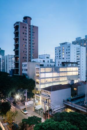 Imagem externa, Leitao 653. Fotografo Pedro Kok.