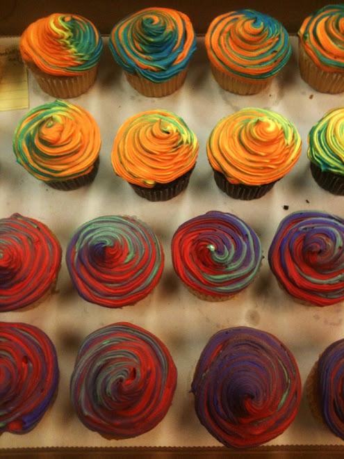 Brilliant_Tie_Dye_Rum_Cupcakes