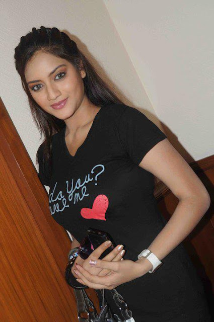 actress nusrat jahan hot videos