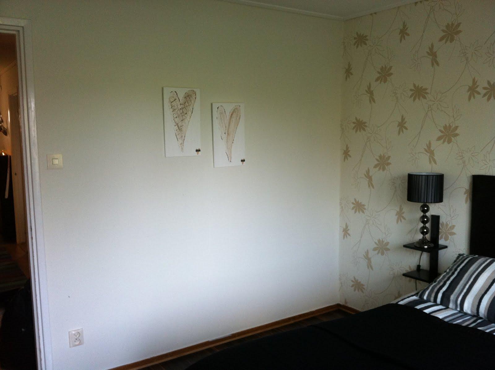 Smycka ditt hem: i mitt sovrum. malm byrå eller trollsta sideboard??