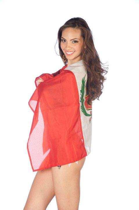 Aparecio la más esperada: Natalie Vertiz, Miss Perú - Miss Universe 2011