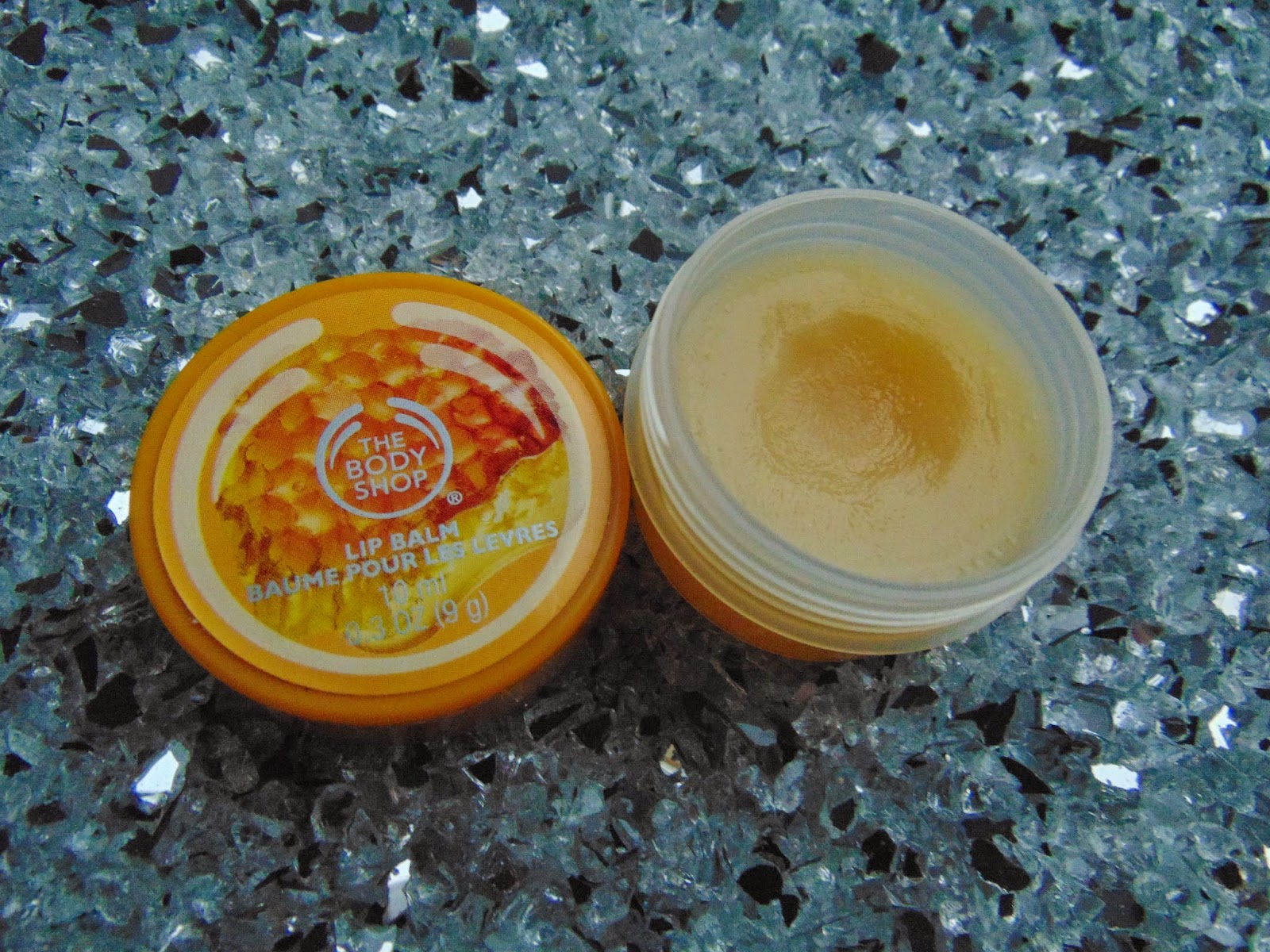 The Body Shop - Lip Balm Honey - www.annitschkasblog.de