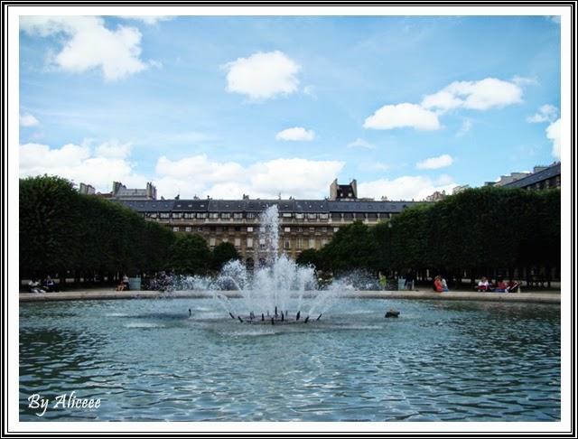 fantana-arteziana-palatul-royal-paris