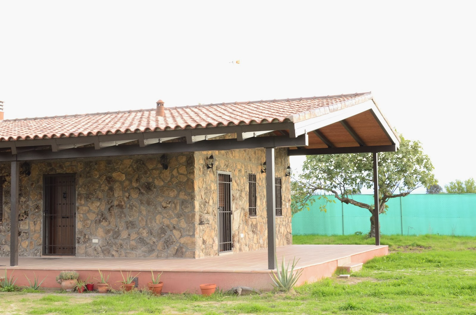 Solicitanos cat logo de casas prefabricadas en rustico o - Casas rurales prefabricadas ...