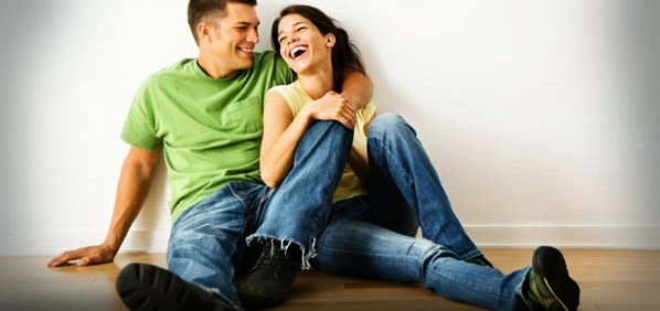 Agar Lebih Bahagia, Tak Perlu Sering Mengecek Kabar Pasangan