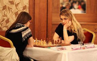 Ronde 1 : Marija Rakic (2270 - SRB) 1/2  Almira Skripchenko (2468 - FRA) © site officiel