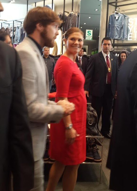 Crown Princess Victoria Style SERAPHINE Bespoke Maternity Dress and HUNKYDORY Clutch