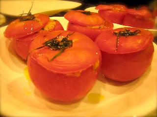 品川区(天王洲・大井町)のお客宅に出張シェフ。スクール仲間との花火鑑賞に前菜:トマトの詰め物