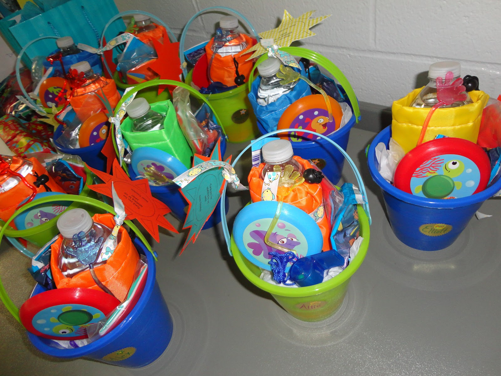 Pool Party Gift Bag Ideas pool party favors beach ball cupcakes kids birthday parties Pool Party