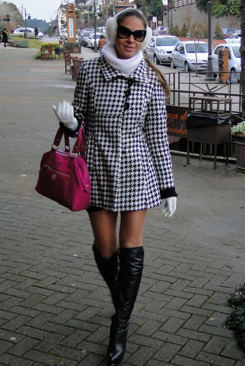 casaco-pied-de-poule-e-botas-cuissard