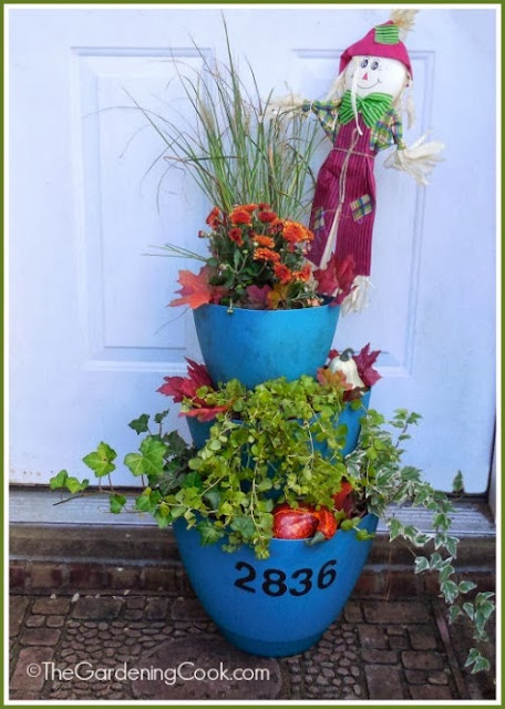 Fall Staggered Planters http://thegardeningcook.com/my-staggered-planter-gets-a-facelift/