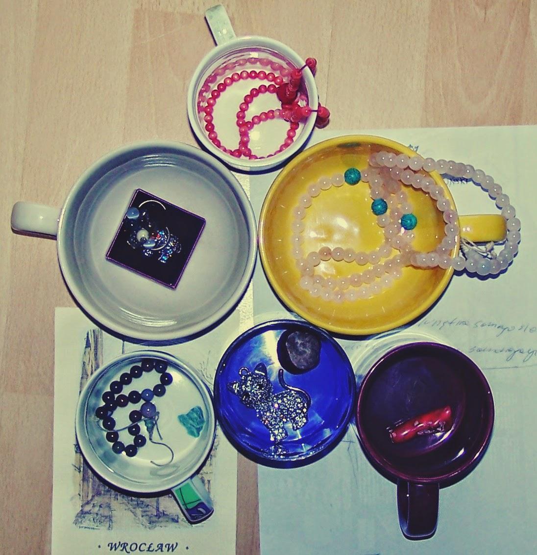 Dzień trzeci - tarot w obiektywie - Sześć Pucharów