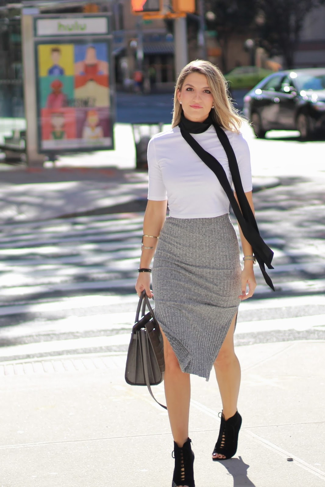 how to style the skinny scarf trend