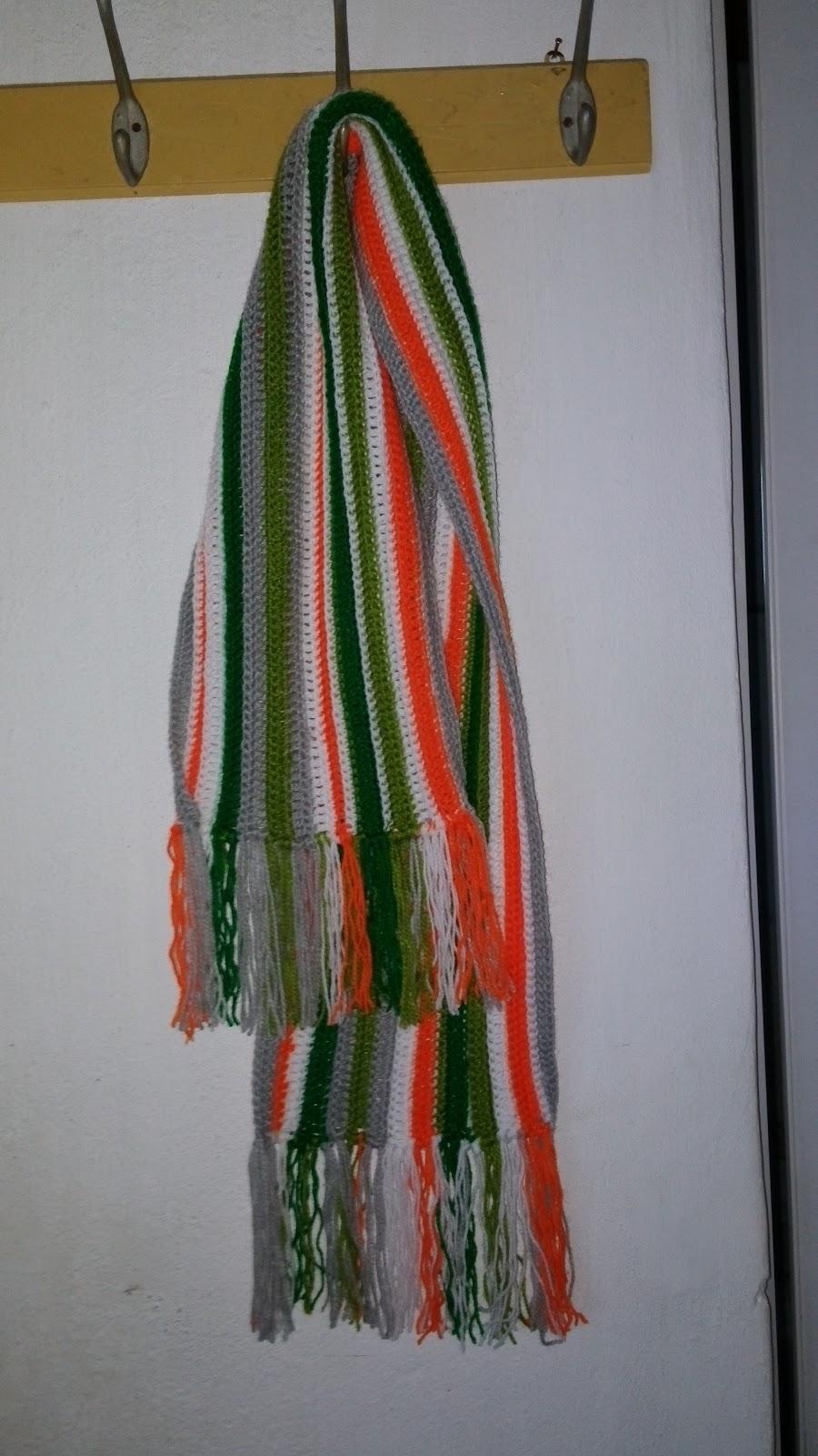 bufanda de varios colores en crochet