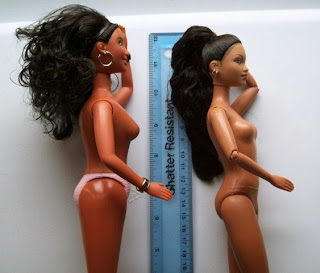 Side view Play Along Cheetah Girl Galleria (l) and Mattel Raven (r)