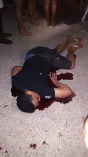 Jovem é executado com vários disparos de arma de fogo, em frente à escola José Mariano, no bairro de Tibiri II