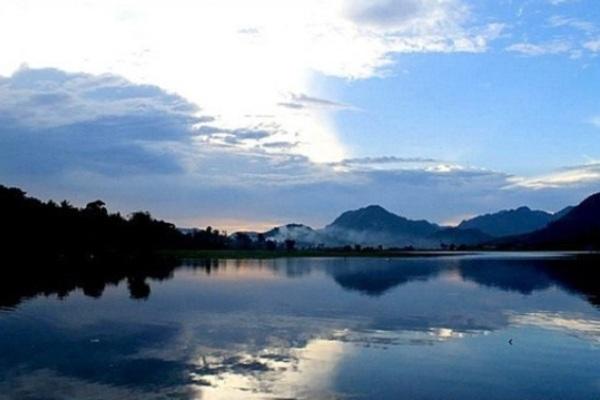 Danau Tarusan Kamang, Kabupaten Agam, Sumatera Barat. ZonaAero