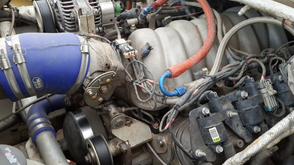7.0 V8 двигатель от Корвета в раллийном Опель Мокка