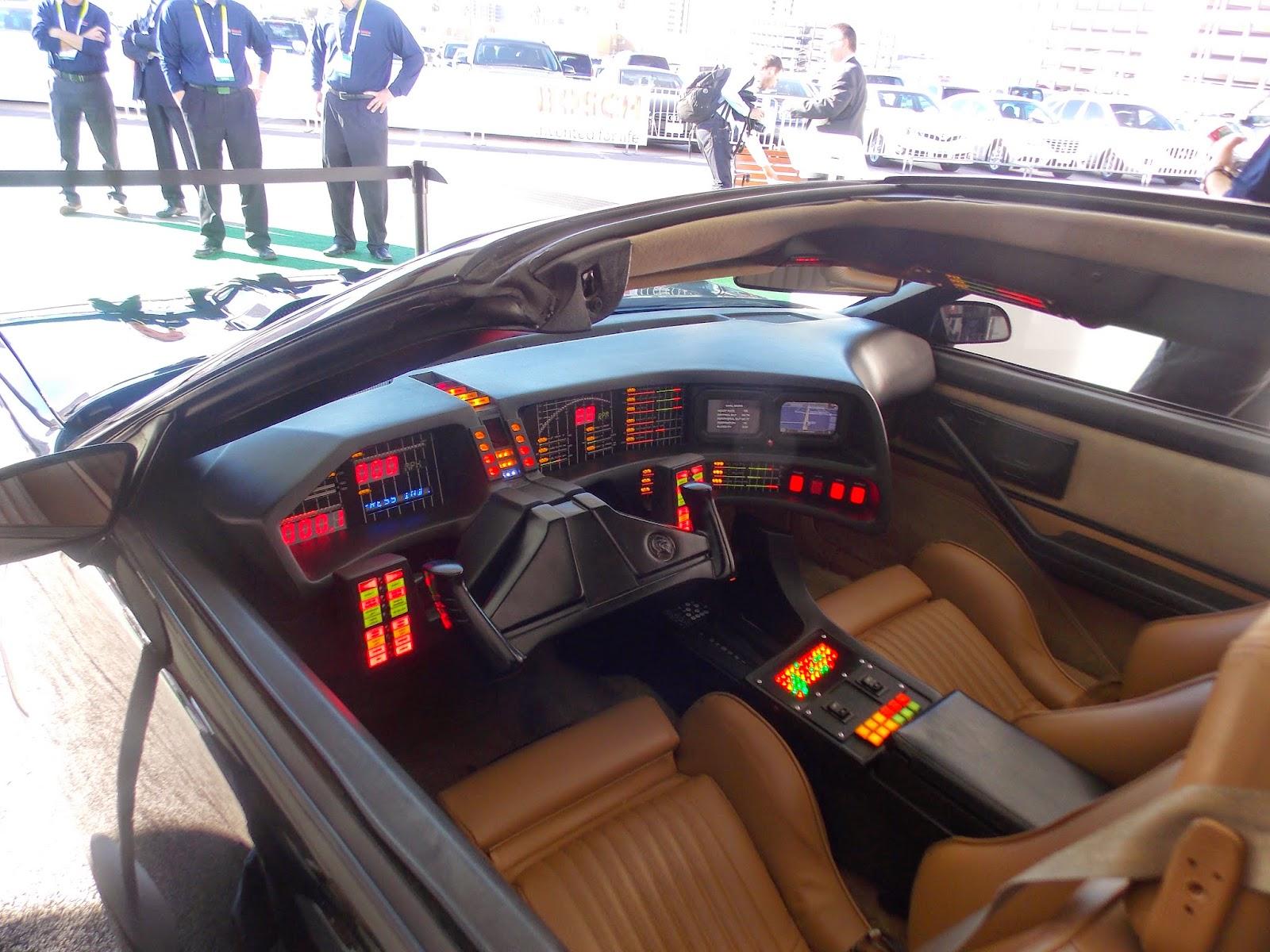 voiture du futur ces 2015 de la voiture de k2000 la conduite automatis e. Black Bedroom Furniture Sets. Home Design Ideas