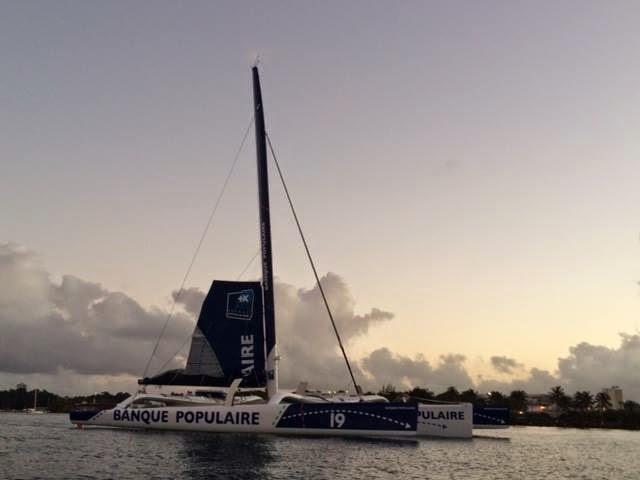 Banque Populaire VII, le vainqueur de la Route du Rhum 2014, revient à la maison.