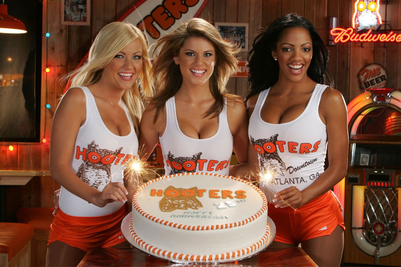 hootersgirls+cake Hot teen girls sucking cock and getting cum inside mouth all over her face!