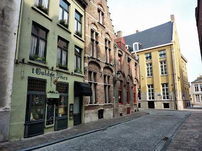 Una calle de Brujas