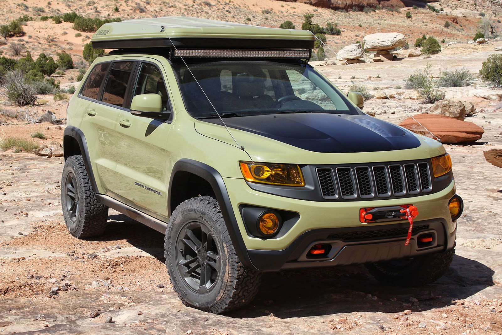 automotiveblogz jeep grand cherokee overlander moab easter jeep safari. Black Bedroom Furniture Sets. Home Design Ideas