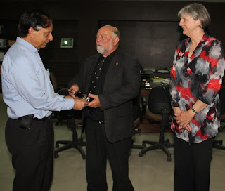 Vice Chancellor of LPU Dr Ramesh Kanwar bestowing memento to Dr John Haynes & Dr Judith Miller on visiting to LPU