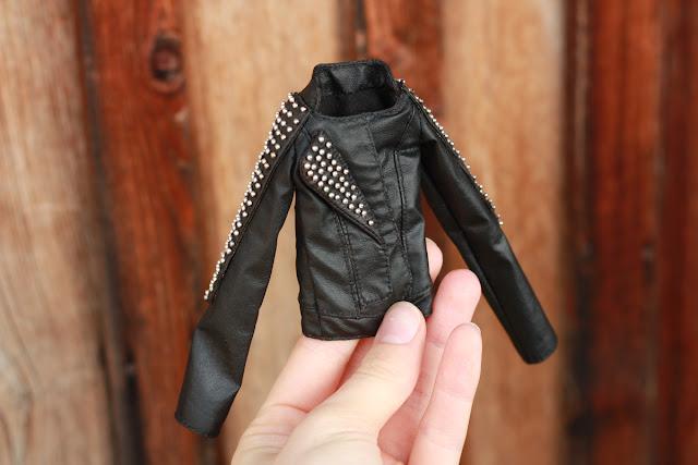 куртка с шипами для куклы
