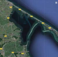 Zatoka Pucka - łacha piachu tuż pod powierzchnią wody