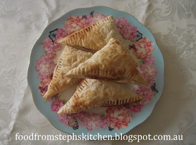 Mini apple and cinnamon turnovers - Steph's Kitchen