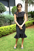Samantha latest photos in black-thumbnail-10