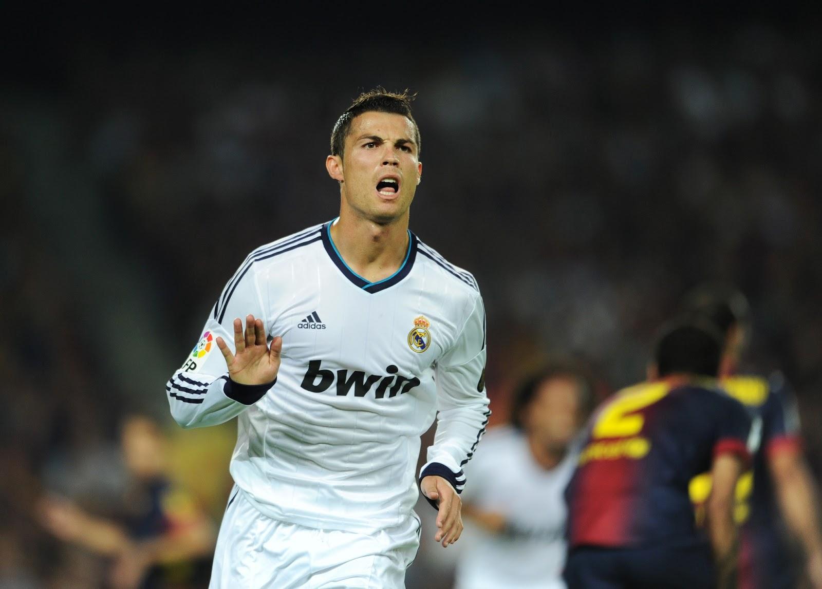 http://1.bp.blogspot.com/-ydzzVqyYBCM/UPnecxU-BYI/AAAAAAAAPIQ/gWIRZ0U5--Q/s1600/Cristiano-Ronaldo-2013-HD-Wallpaper-Picture-Real-Madrid-Calma-Calma.jpg