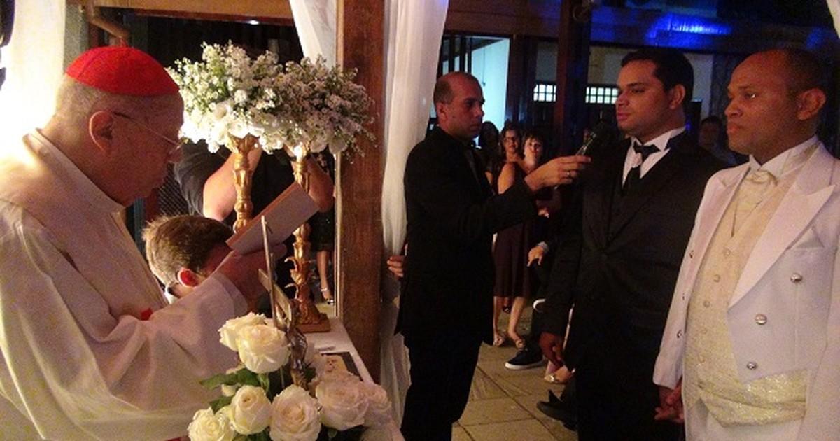 Casamento gay com bênção da igreja católica