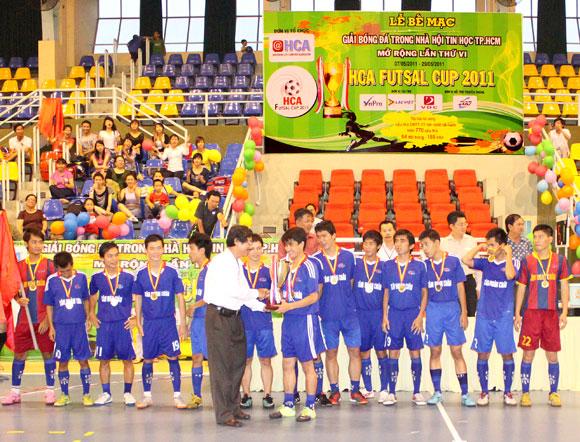 Vô địch HCA 2011