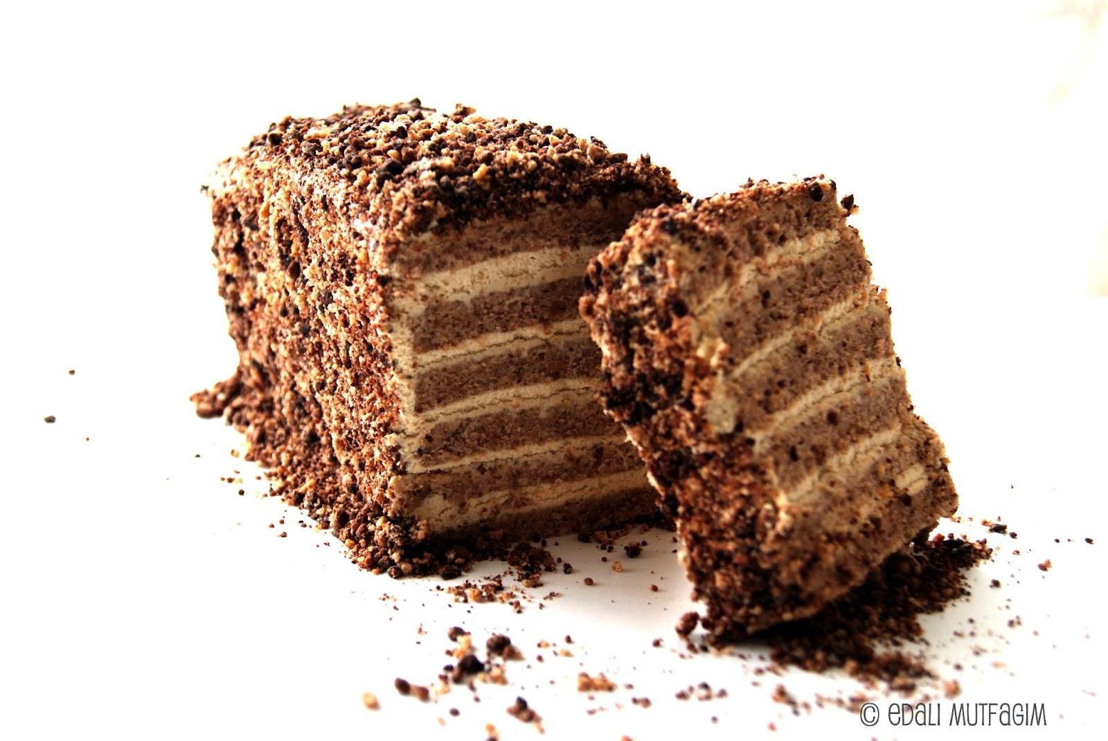 Kahve Kremalı Frambuazlı Pasta