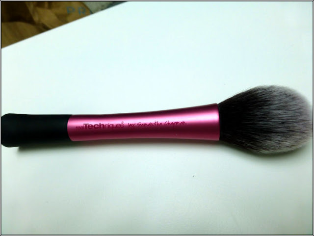 Real Techniques Blusher Brush