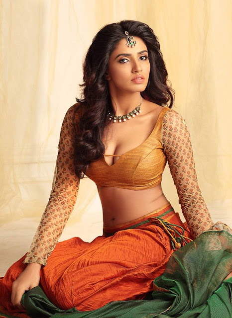 Akshara Gowda hot and spicy pics