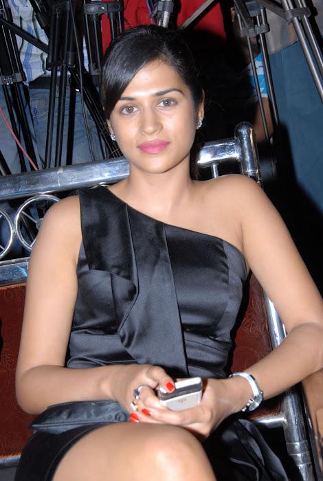 shraddha das new at mem vayasuku vacham movie audio launch hot photoshoot