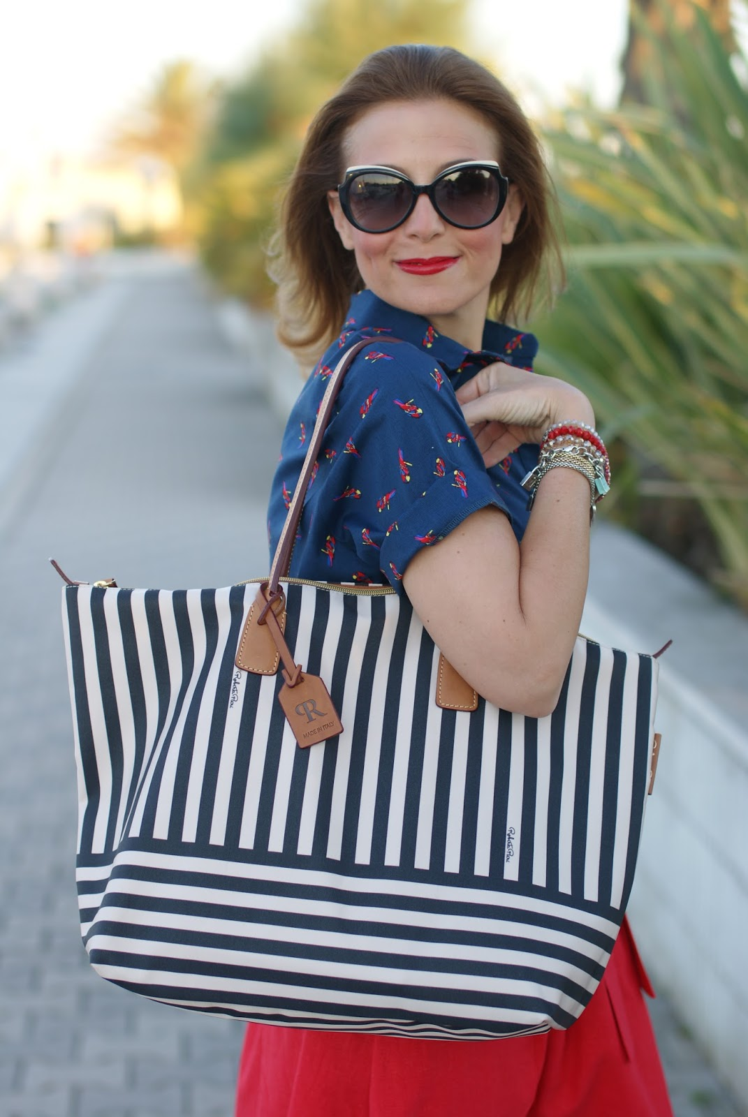 Roberta Pieri Robertina collection, black and white striped tote on Fashion and Cookies fashion blog, fashion blogger style