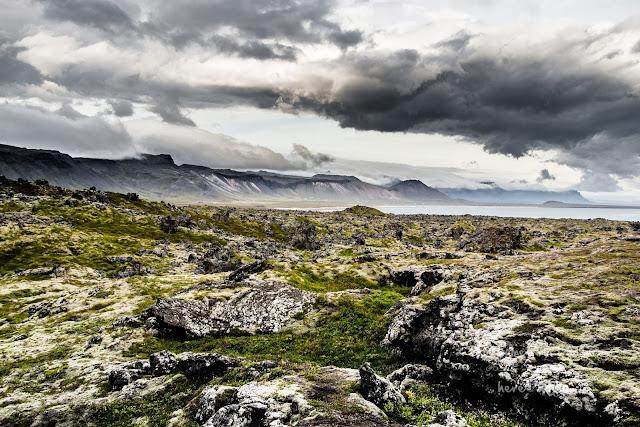 honeymoon-iceland-kirkjufell-snefellsjokull-volcano-32