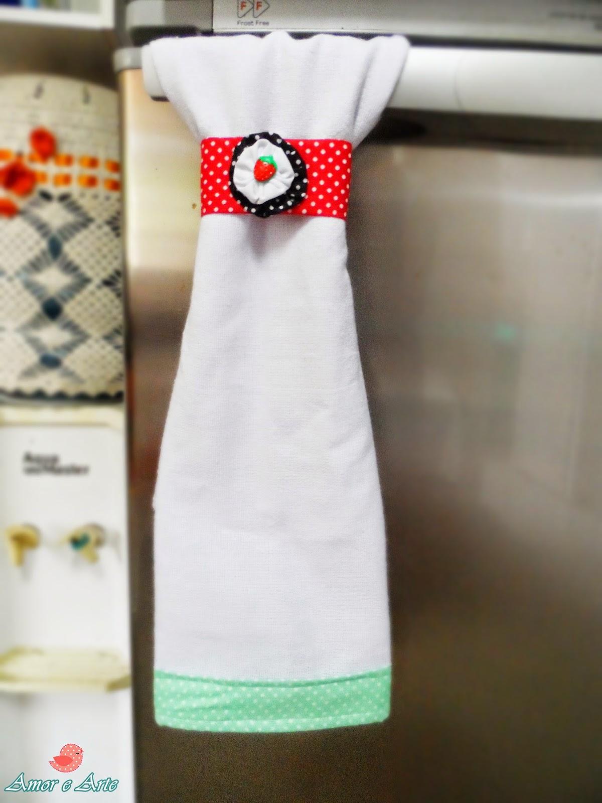 Braçadeira para Bate-Mão, em tecido - detalhe de fuxico e fechamento em velcro
