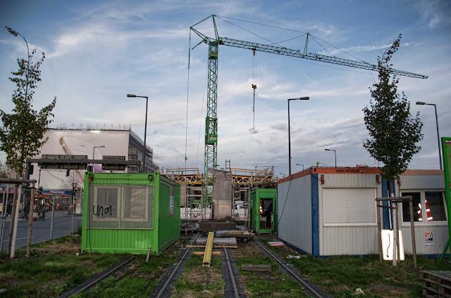 http://www.morgenpost.de/berlin-aktuell/article119347837/Das-wird-Berlins-neue-Tram-Station-am-Hauptbahnhof.html