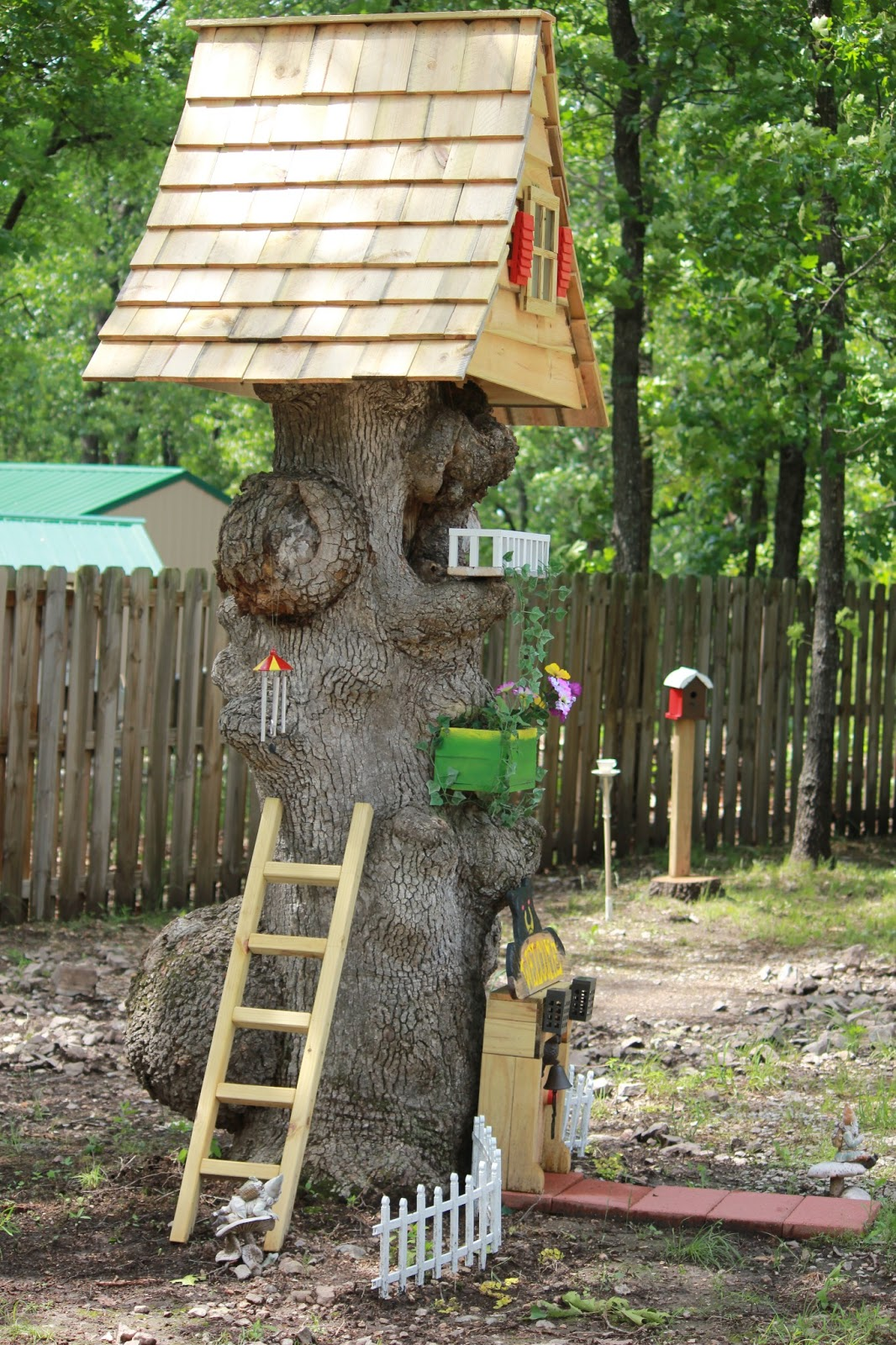 Tree stump house - Repurposed Tree Stump Into A Beautiful Gnome Home
