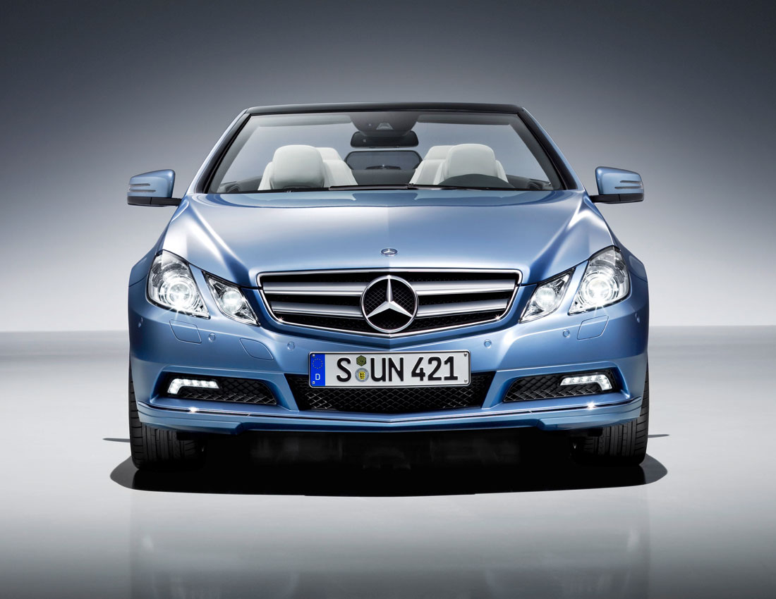 http://1.bp.blogspot.com/-yfDxPIvsVyI/ULaJqrj2LbI/AAAAAAAAAd4/XN8_SF9Qwas/s1600/Mercedes-Benz-E-Class-convertible2.jpg