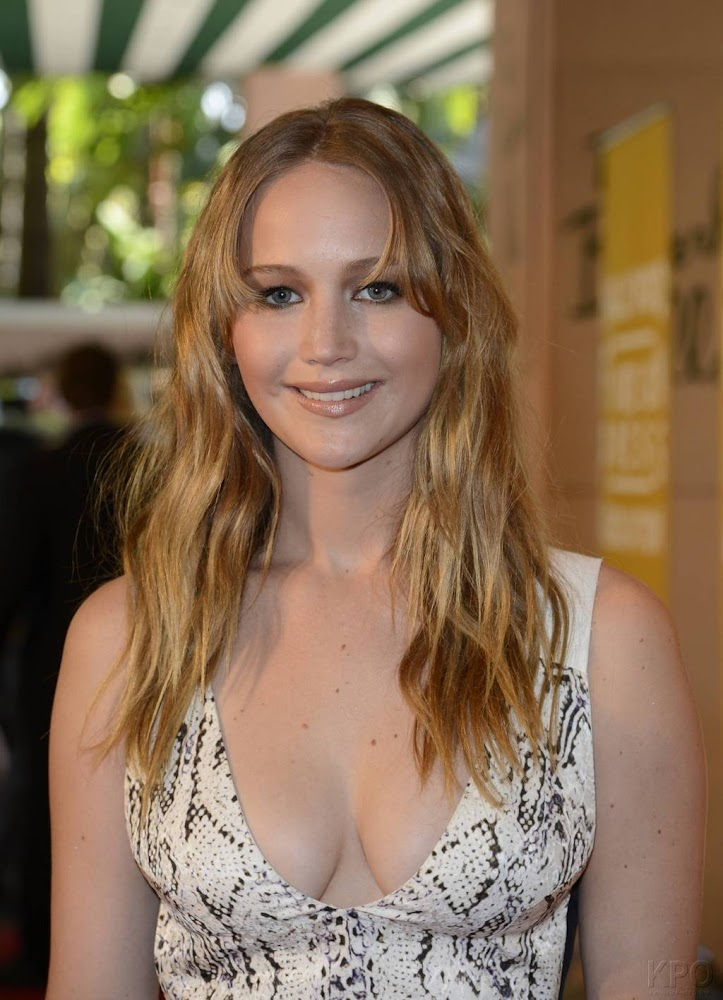 Jennifer Lawrence,  Cleavage,  HFPA